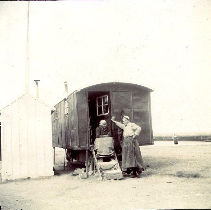 copie-de-port-en-bessin-472 dans cartes postales anciennes